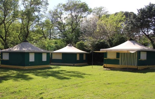 Camping vert en parfait état à vendre dans le Var